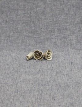 Lot de boutons de roses
