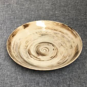 #artisanat #tourdepotier #engobe #poterie #plat #saladier #salade #francetourisme #vexin #liancourtsaintpierre #atelierterresnature
