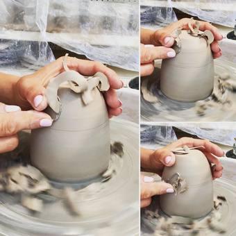 La beauté du geste, la précision, le toucher …  Nos mains restent nos meilleurs outils - #beautedesmains #beautedugeste #geste #toucher #main #plaisir #passion #poterieartisanale #vexinfrancais #vexinfrançais #ceramique #mug #cafe #atelierterresnature