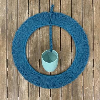 #boheme #bohemianstyle #macrame #macramewallhanging #poteries #fleurs #filcoton #bleucanard #ceramique #bohostyle #frange #atelierterresnature